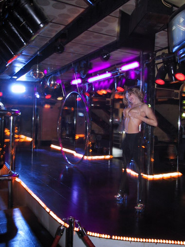 Passerelle striptease lisboa portugal - 4 1