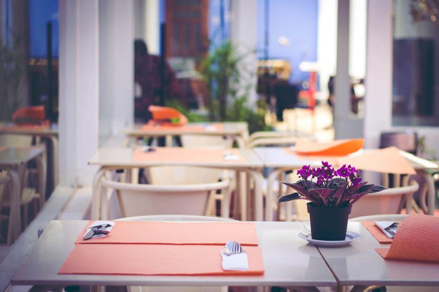 V cios de mesa restaurante pizzeria for Centros de mesa para restaurantes